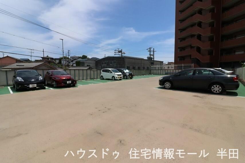 駐車場 駐車場 生活施設が整った住環境 暮らしやすいエリアです