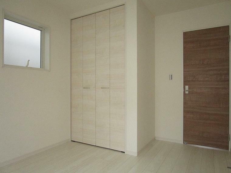 和室 2階 南西側 5.25帖の洋室 (2021年9月11日撮影)