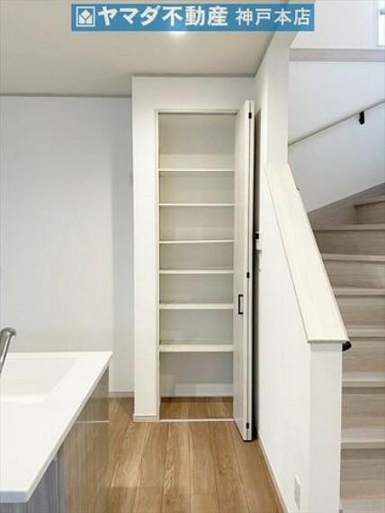収納 キッチンには便利な収納スペースがございます。