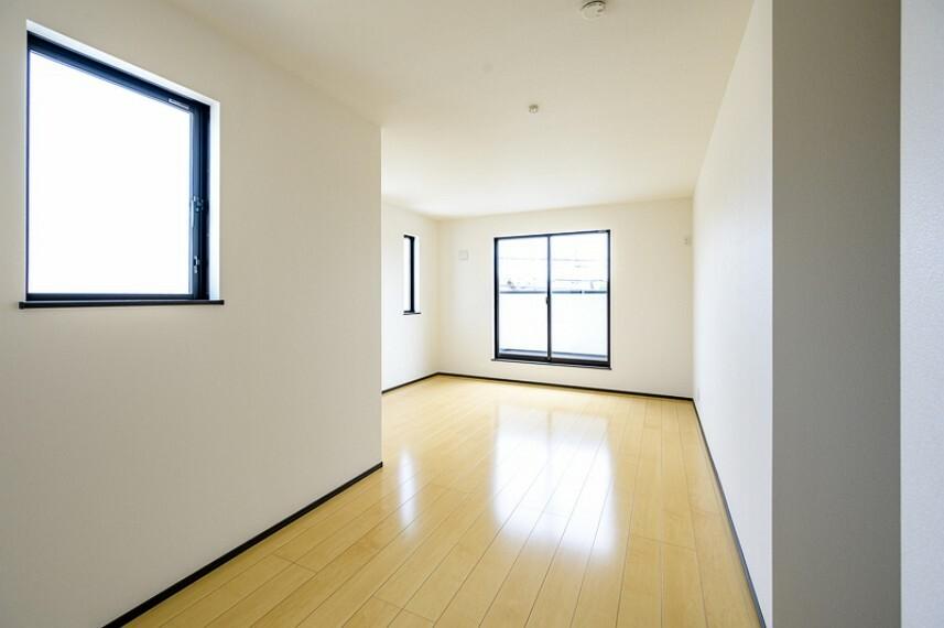 洋室 1号棟 専用収納スペースが付いたゆったりくつろげる洋室!