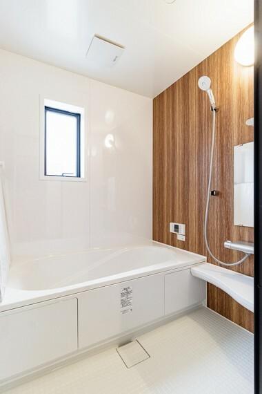 浴室 A号棟 追炊き機能付き、1坪の浴室!手入れも楽々!