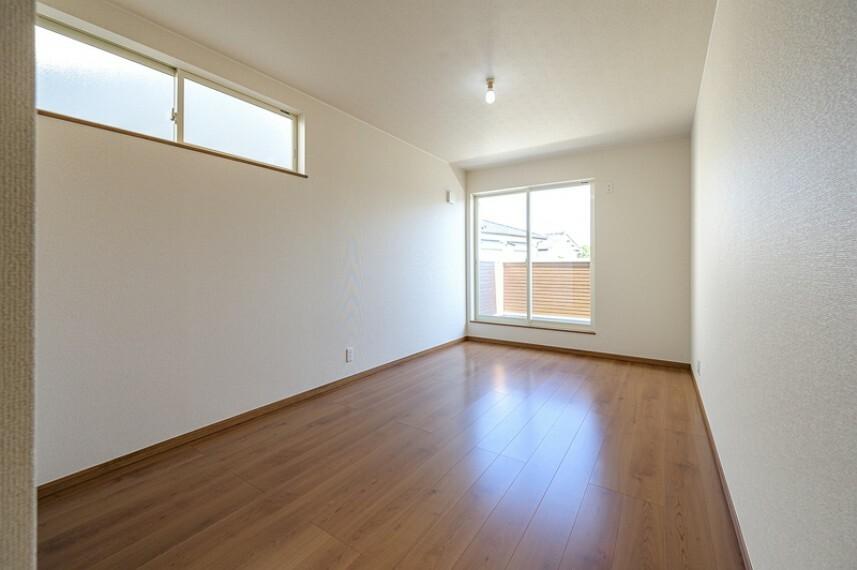 洋室 F号棟 専用収納スペースが付いたゆったりくつろげる洋室!