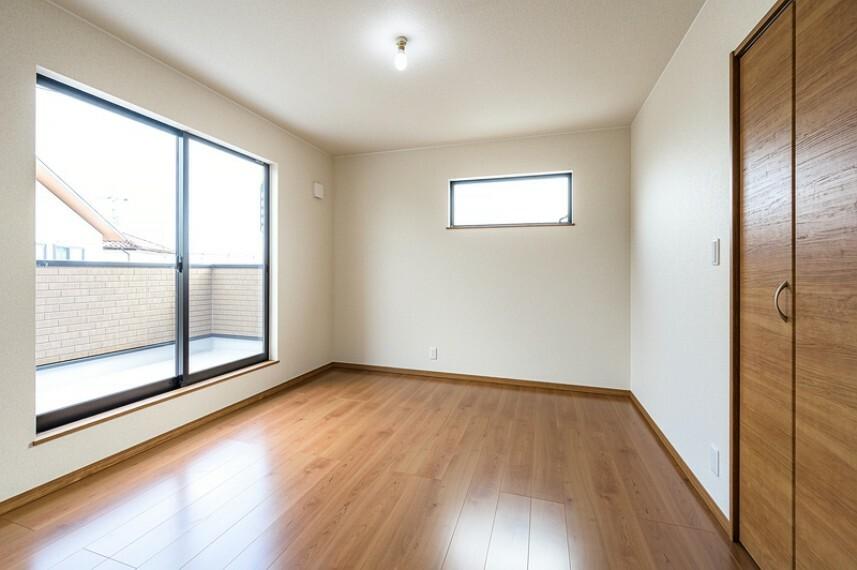 洋室 A号棟 専用収納スペースが付いたゆったりくつろげる洋室!