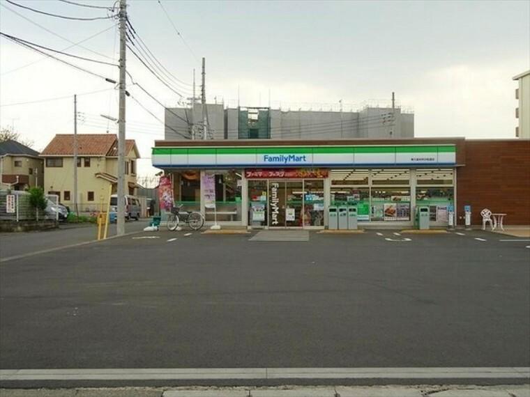 コンビニ ファミリーマート東久留米所沢街道店