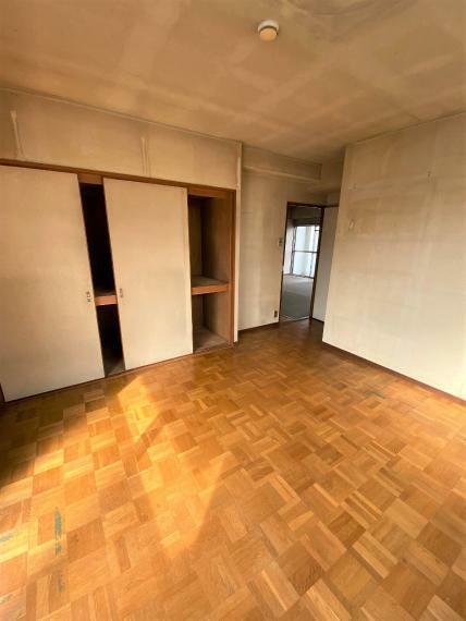 洋室 北西側の洋室