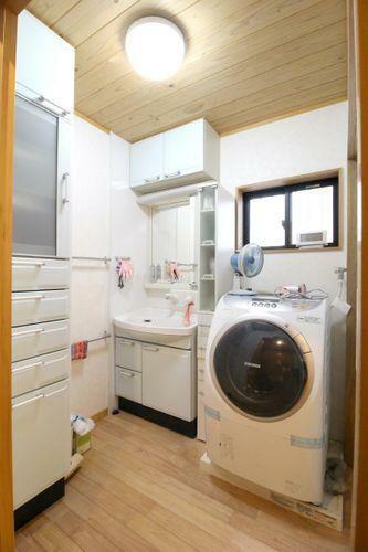 洗面化粧台 洗面室です