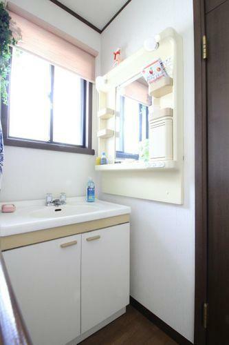 洗面化粧台 2階の洗面台です