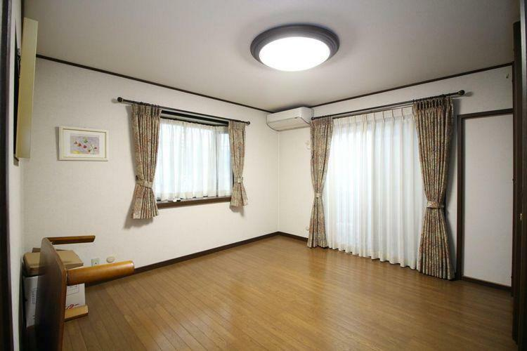 寝室 広々とした洋室です