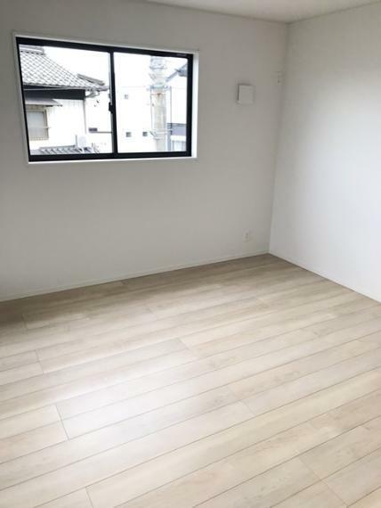 寝室 2階8.5畳洋室