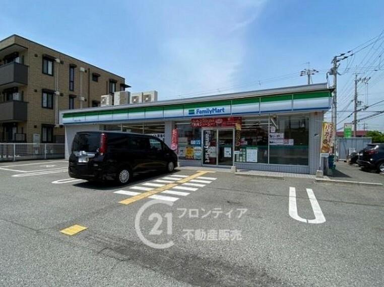 コンビニ ファミリーマート 加古川一色店