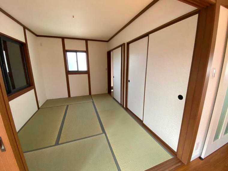 和室 畳、襖等新規交換で、畳の香りが漂う心地の良い空間です