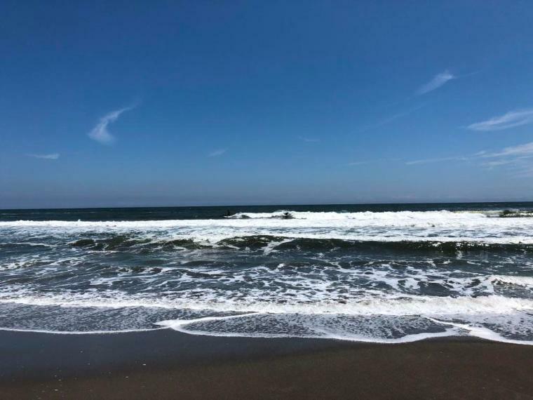 海まで約4.8キロです。浜辺が広く、サーフィンはもちろん、散歩にも最適です