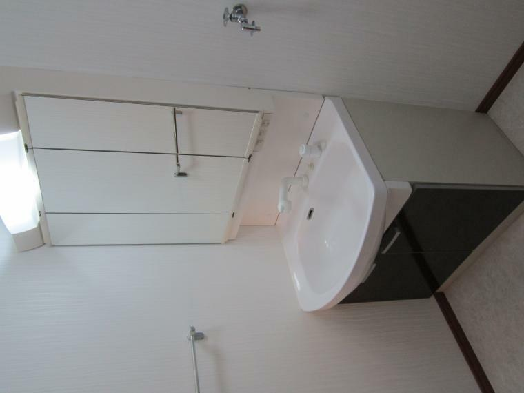 洗面化粧台 ●ハンドシャワー付きの洗面化粧台!