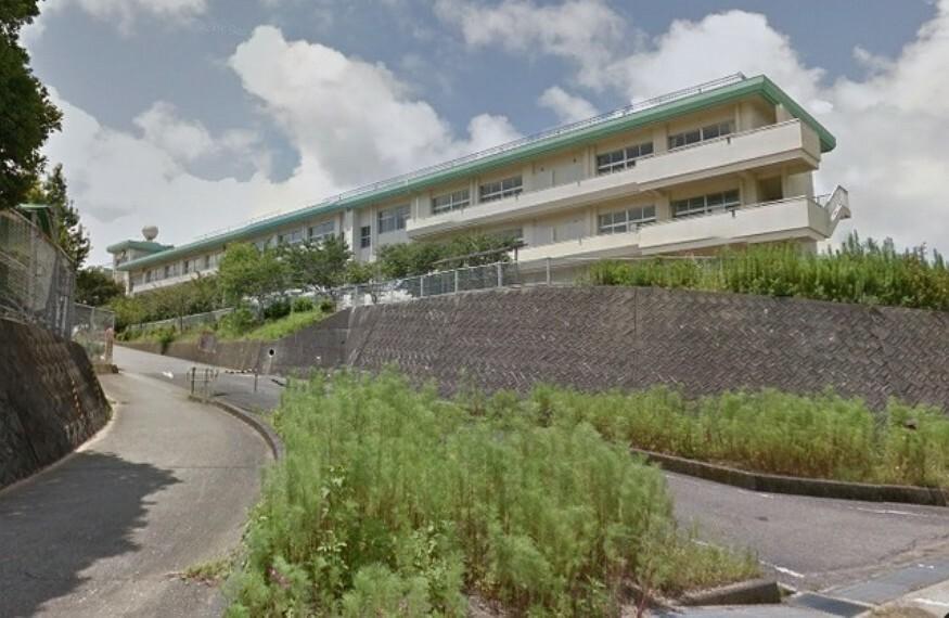 中学校 【中学校】高知市立春野中学校まで4713m