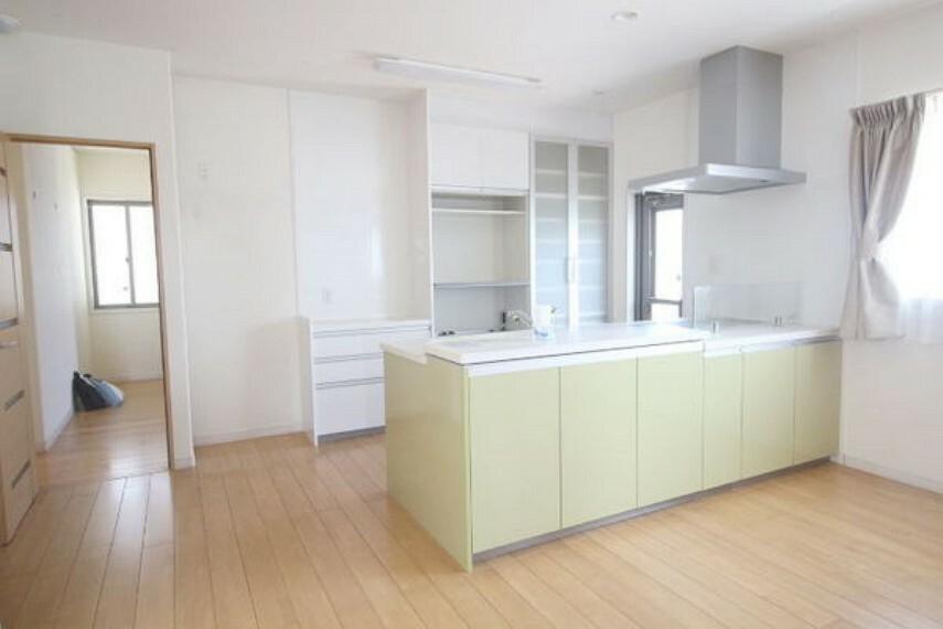 キッチン 広々としたキッチンです