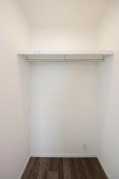 収納 洋室2部屋にはWICを設けております!収納力のある広々としたウォークインクローゼット。バック、小物まで収納できちゃいます