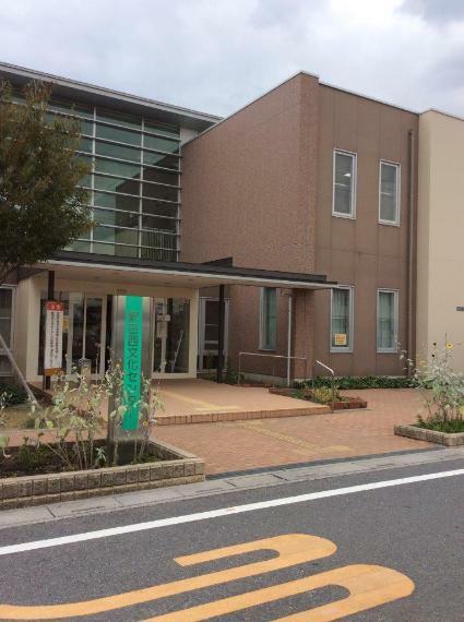 図書館 草加市新田西文化センター 埼玉県草加市新栄町243