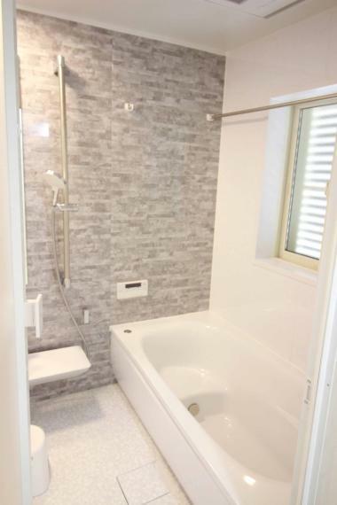 浴室 【1.25坪大型バスルーム】 浴室暖房乾燥機、半身浴槽付