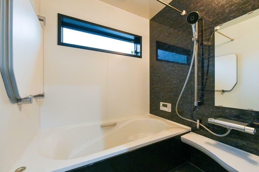 同仕様写真(内観) バスルームもお好みに選択頂けます。