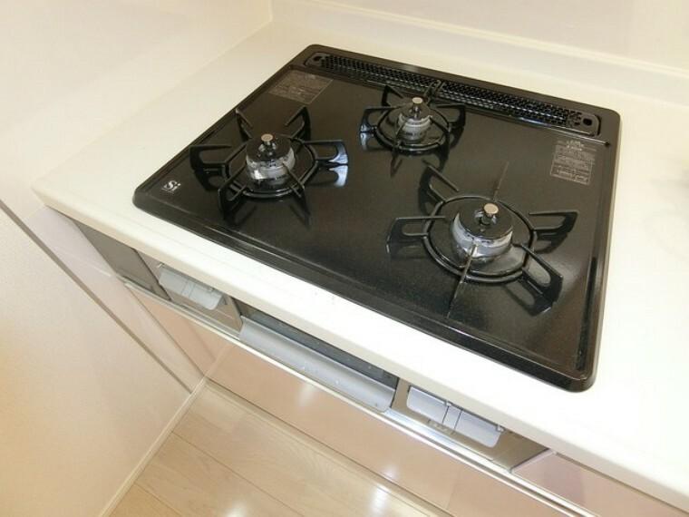 キッチン 施工例(3口コンロ)