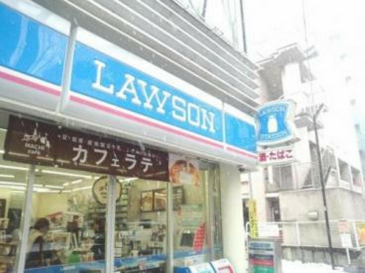 コンビニ 【コンビニエンスストア】ローソン 阿佐谷青梅街道店まで160m