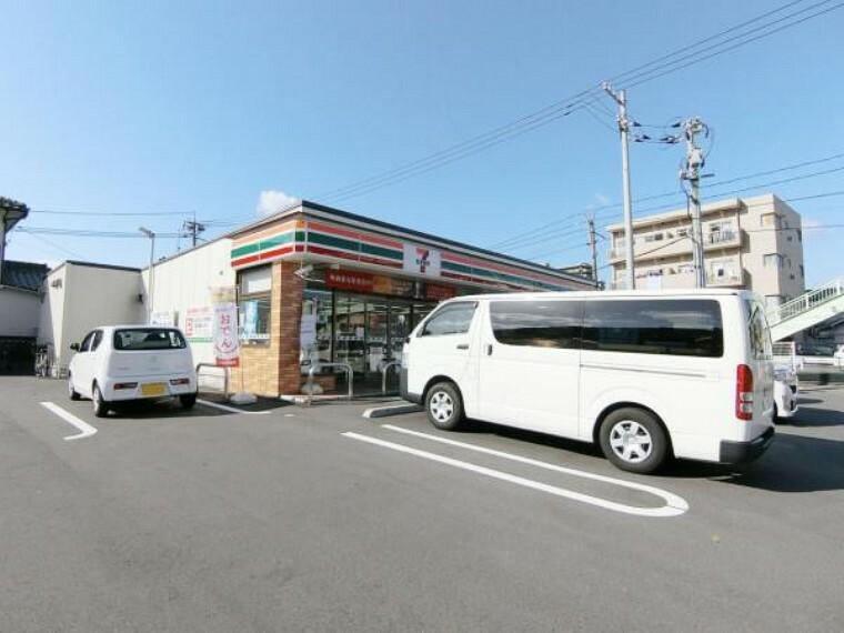 コンビニ セブンイレブン 呉市吉浦店