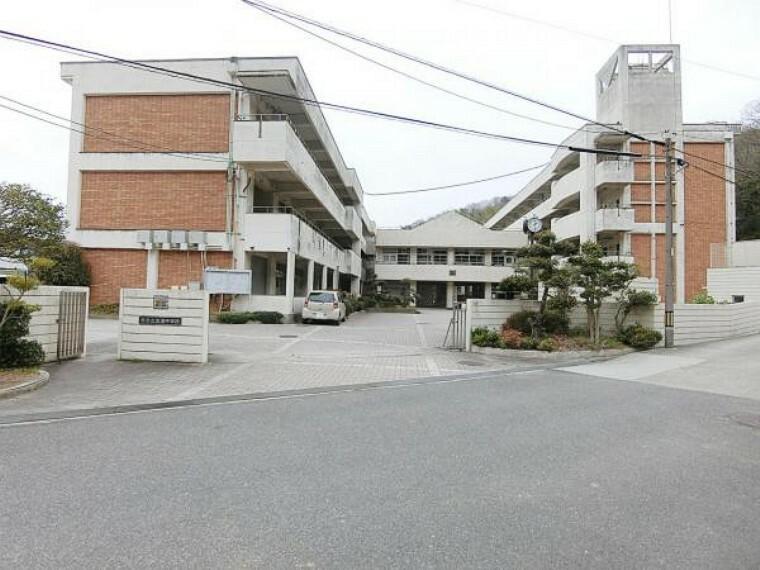 中学校 吉浦中学校