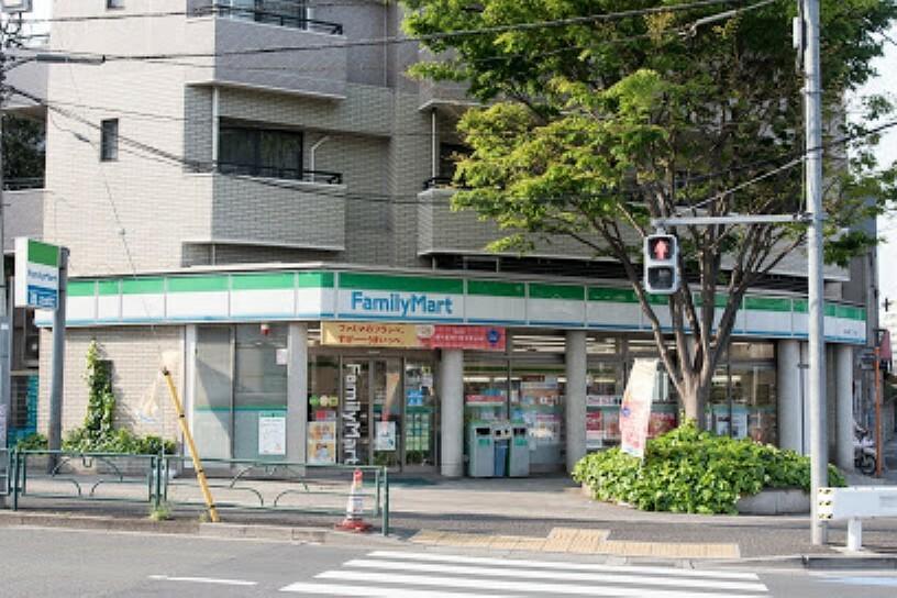 コンビニ 【コンビニエンスストア】ファミリーマート 恵比寿二丁目店まで95m