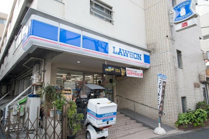 コンビニ 【コンビニエンスストア】ローソン 天現寺店まで256m