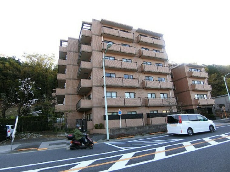 外観写真 京王線「百草園」駅は徒歩約9分で利用頂けます。
