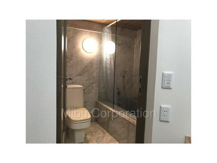 浴室 使い勝手の良いホテルライクな浴室