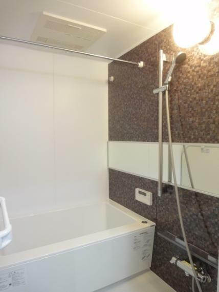 浴室 ユニットバス(ワイドミラー・スライドバー)