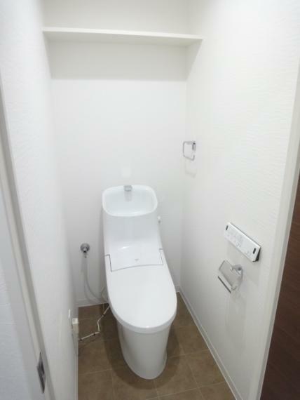 トイレ シャワートイレ(壁リモコン)
