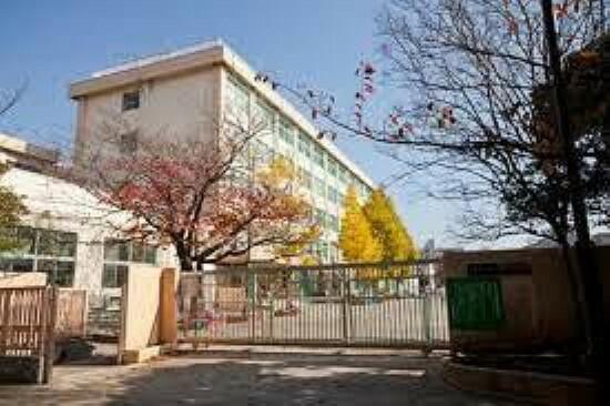 中学校 江戸川区立東葛西中学校528m