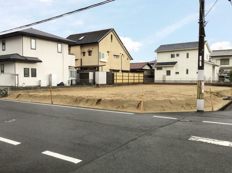 現況写真 耳成山の麓の住宅地で駅徒歩圏です