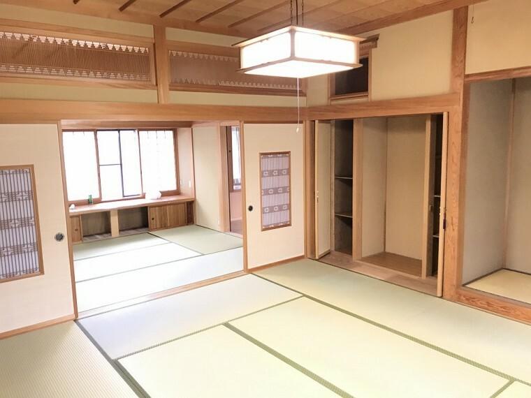和室 神棚スペースもあり、タンス置場もありますので家具を置くときに困りません。