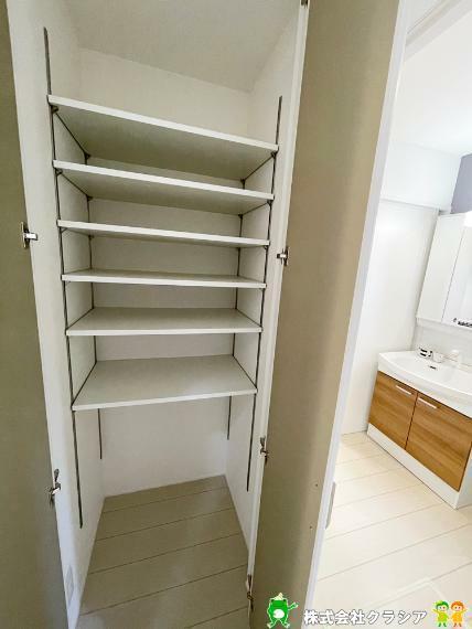 収納 一戸建て-鶴ヶ島市大字下新田  1階廊下に収納スペースがあります。日用品のストック置場として活用できそうですね(2021年9月撮影)1階廊下に収納スペースがあります。日用品のストック置場として活用できそうですね(2021年9月撮影)