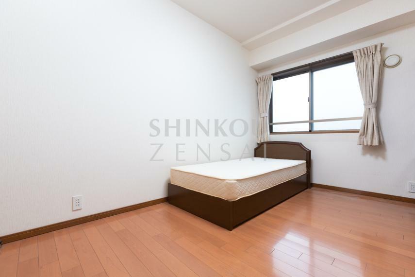 寝室 洋室(1) 約6.8帖