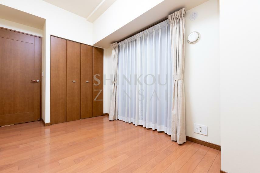 洋室 サービスルーム 約6帖
