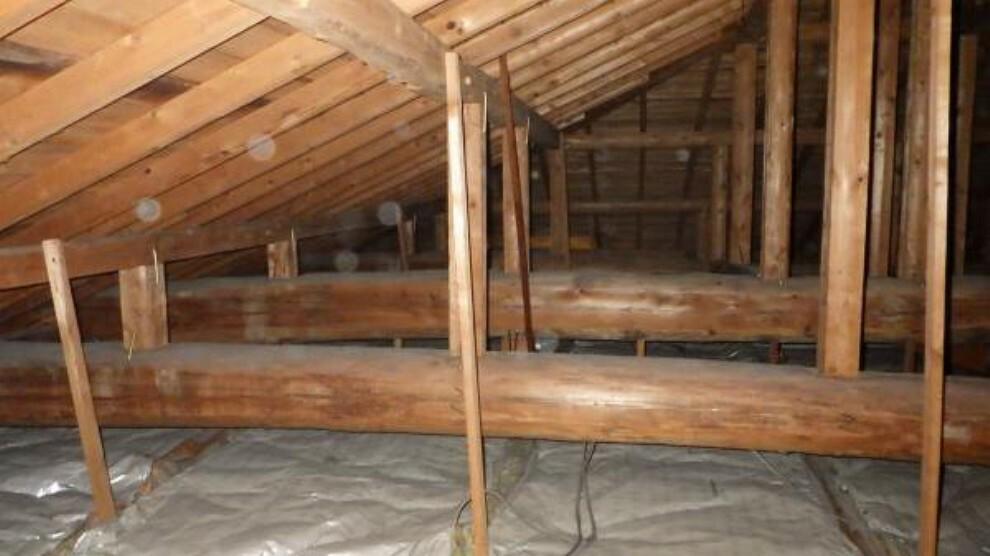少しでも安心して頂けるように、普段見えない屋根裏も雨漏れや蟻害が無いか点検・確認をしてリフォームしております。