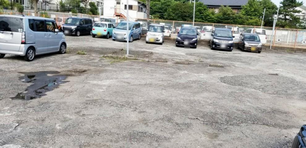 現況写真 店舗用地・駐車場用地・資材置場用地としてご検討ください。土地面積991平米(299.77坪)。