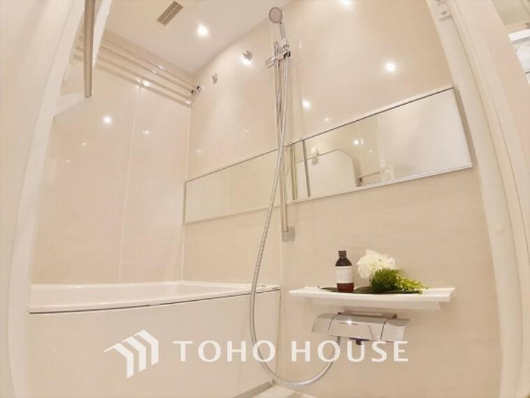 浴室 【BATHROOM】プライベートな空間simpleだからrelaxできるんです。こころもからだもキレイさっぱり。