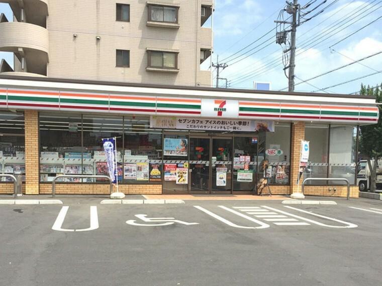 コンビニ セブンイレブン坂戸本町店