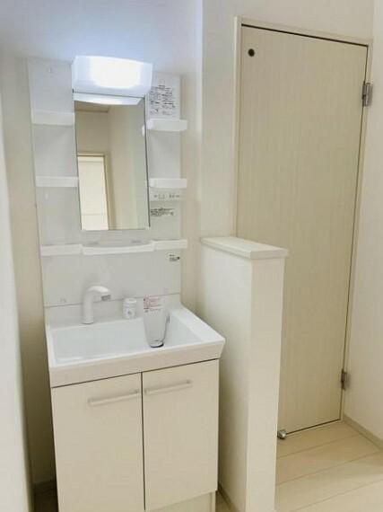洗面化粧台 2階にも洗面台を設置し衛生管理もしっかりできますね!
