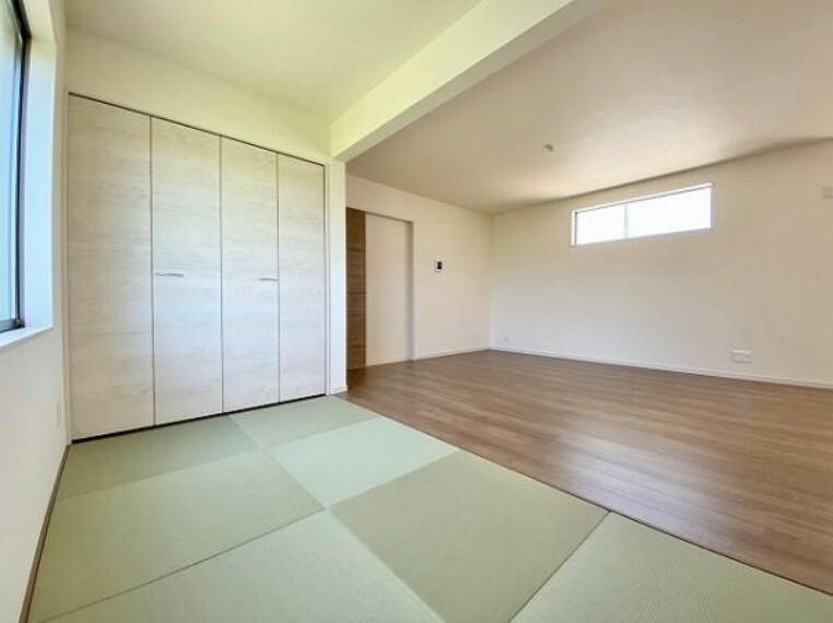 子供部屋 新しい畳の香りのするタタミコーナーは、使い方色々!客室やお布団で寝るときにぴったりの空間ですね。