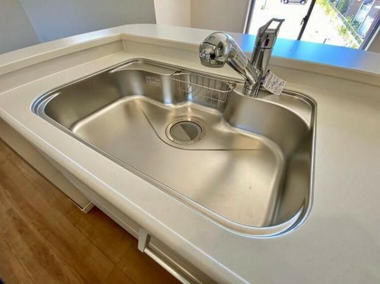 ワイドシンクなので家族が増えても洗い物楽々です