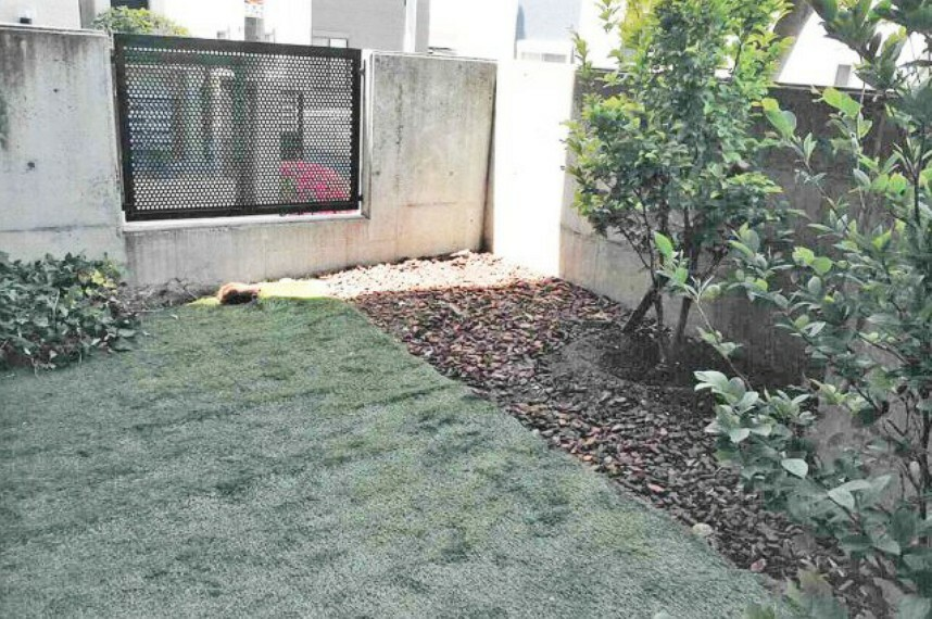 庭 広々専用庭付き。アウトドア感覚でご利用頂けます。