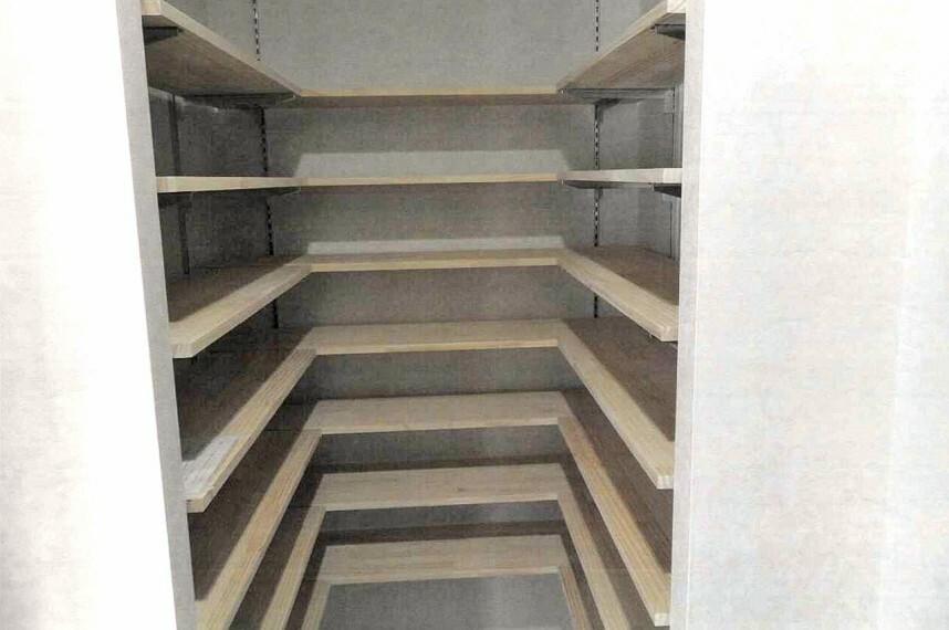 収納 玄関には収納たっぷりのシュークロークがあります。