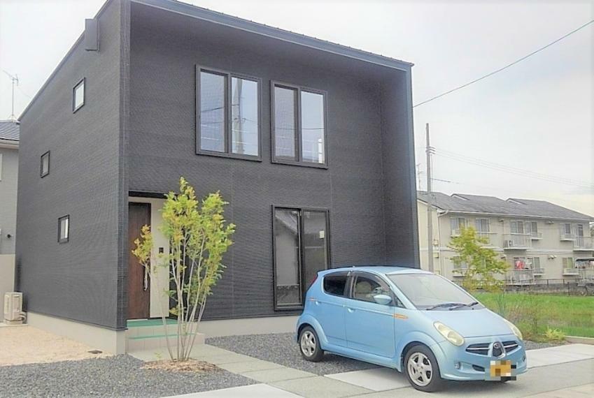 外観写真 オシャレな外壁のオール電化住宅!