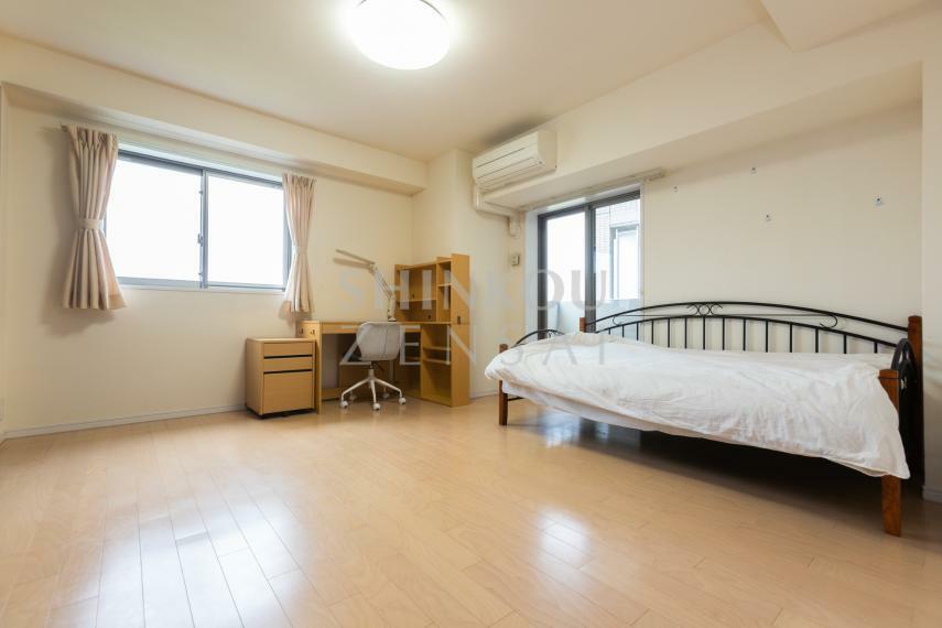 寝室 洋室(1) 約9.9帖